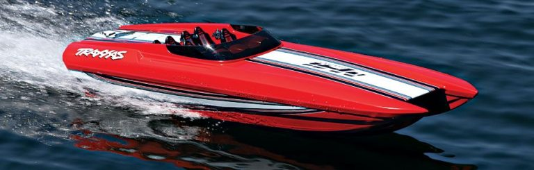 Traxxas DCB M41 Widebody Catamaran Red Edition